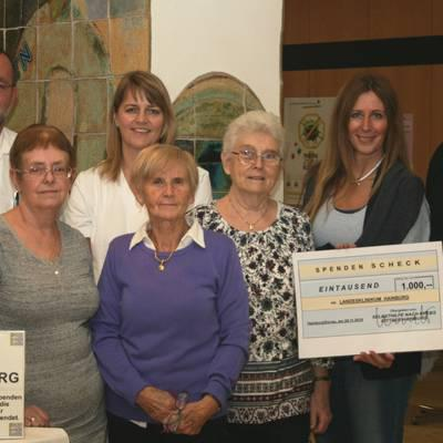 Selbsthilfegruppe übergibt Spende