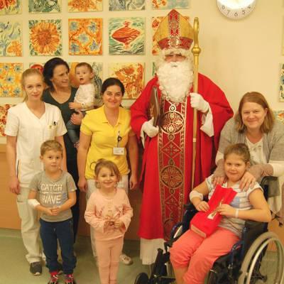 Nikolaus besucht Landesklinikum