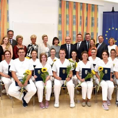 GuKPS Hollabrunn: Diplomfeier der dreijährigen Ausbildung im gehobenen Dienst für Gesundheits- und Krankenpflege