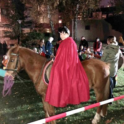 Betriebskindergarten feiert Laternenfest