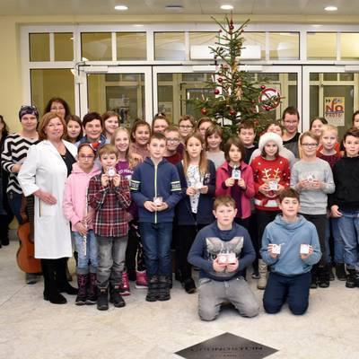 Schüler auf Weihnachtsbesuch