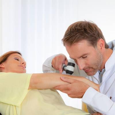 """Porträt: """"Hautarzt ist kein richtiger Arzt"""""""