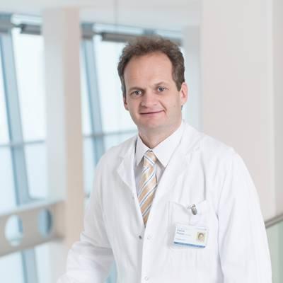 Neuer Leiter für Unfallchirurgie und Sporttraumatologie