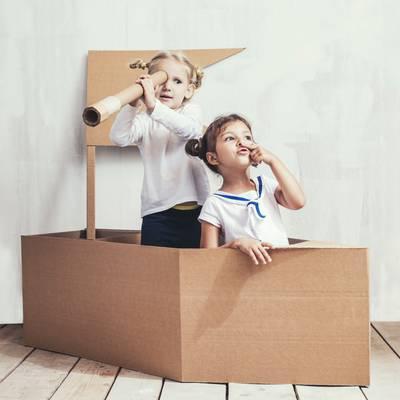 Kinder spielen ihr Leben aus