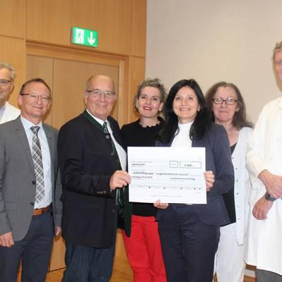 Spende für Lungenkrebs-Selbsthilfegruppe