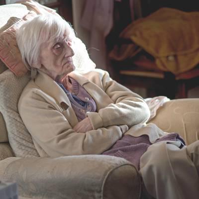 Demenz: Verschlechterung der Symptome durch soziale Isolation und fehlende Alltagsstruktur