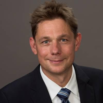 Im Gespräch: Prof. Dr. Jens Reimer, MBA, Leiter des Zentrums für Interdisziplinäre Suchtforschung an der Universität Hamburg