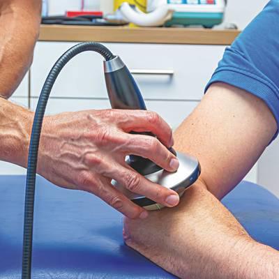 Radiale Stoßwellen in Kombination mit physikalischen Therapien