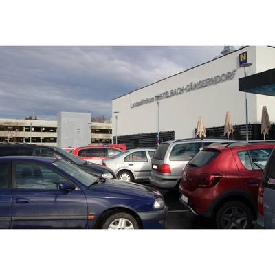 Parkplätze vor Klinikum
