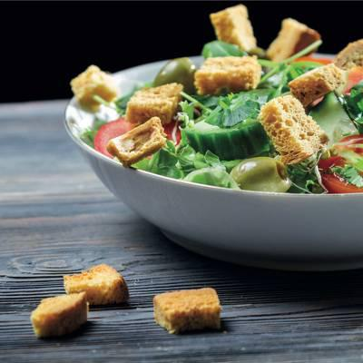 Köstliche Rezepte für knackige Frühlings-Salate